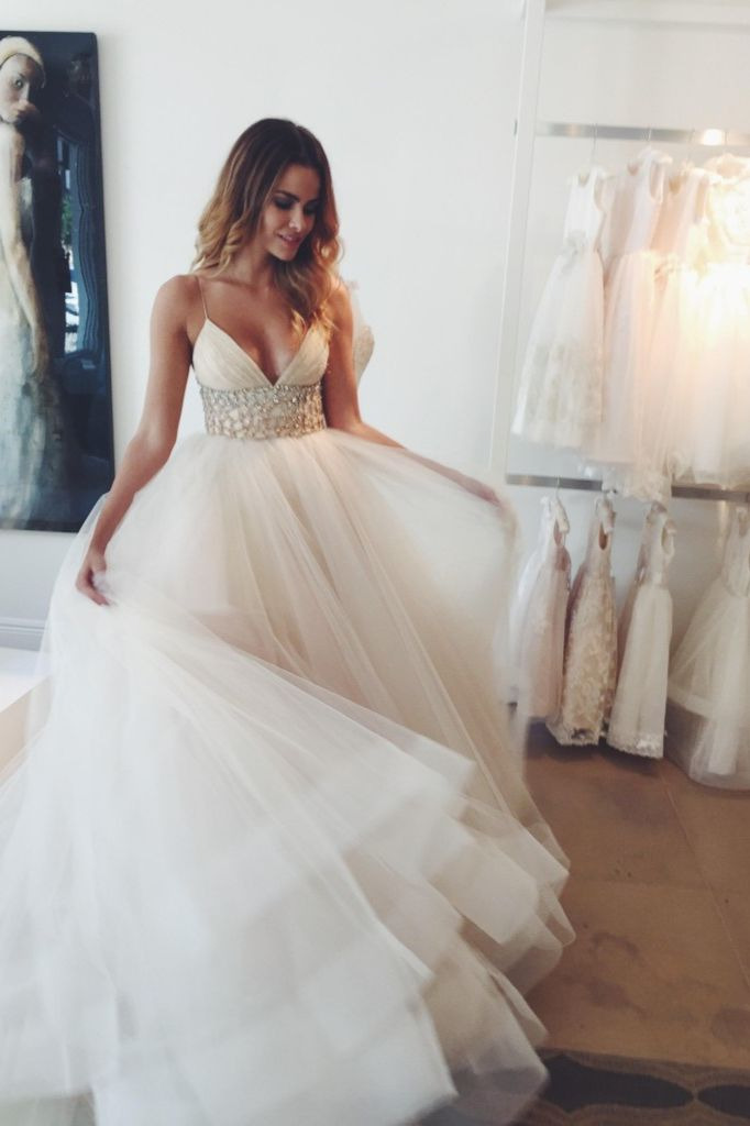 Fii O Printesa In Ziua Nuntii Si Alege Ti O Rochie Pe Masura Vezi