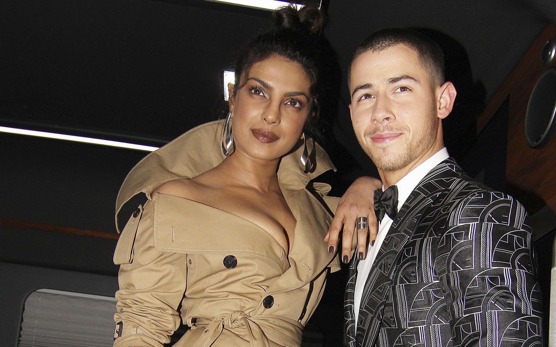 Primele imagini cu inelul de logodnă al actriţei Priyanka Chopra! Iată ce bijuterie i-a oferit Nick Jonas