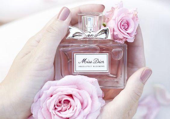 Așa îți dai seama că un parfum este original