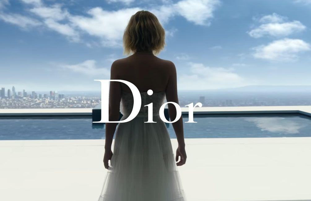 Jennifer Lawrence, imaginea noului parfum JOY by Dior