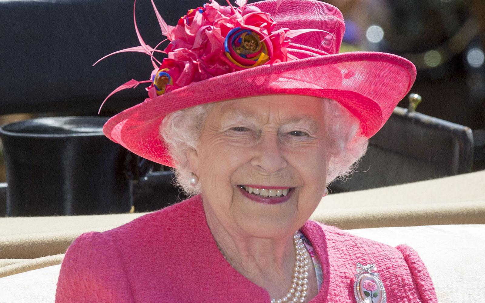 Regina Elisabeta nu poartă pantaloni în public! De ce a renunțat la acest obiect vestimentar