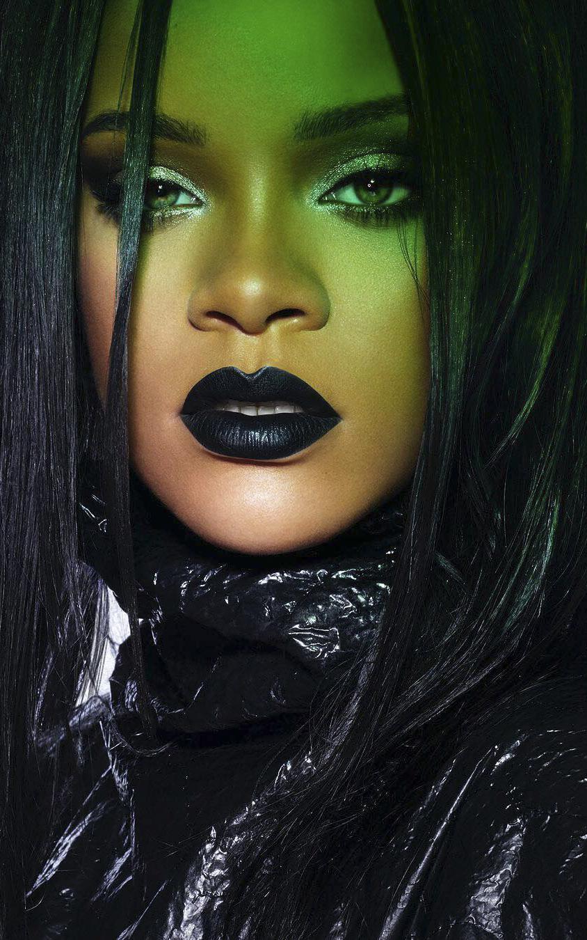 Beauty Alert Rihanna A Lansat Un Ruj Negru Perfect Pentru