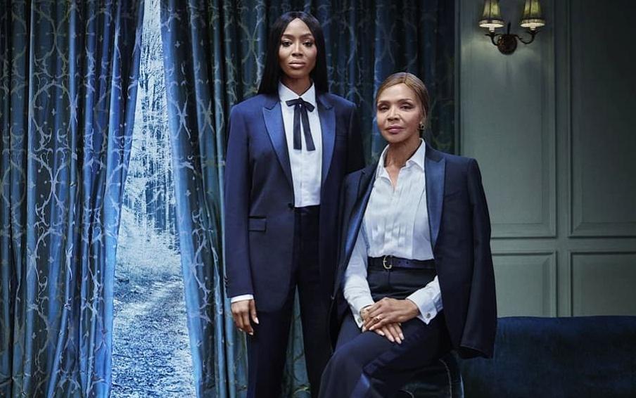 Naomi Campbell și mama ei au pozat împreună colecţia de Crăciun Burberry