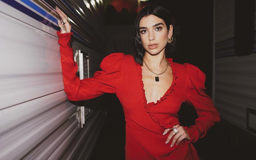Style Report: Dua Lipa - compozitoare, cântăreață și... style icon