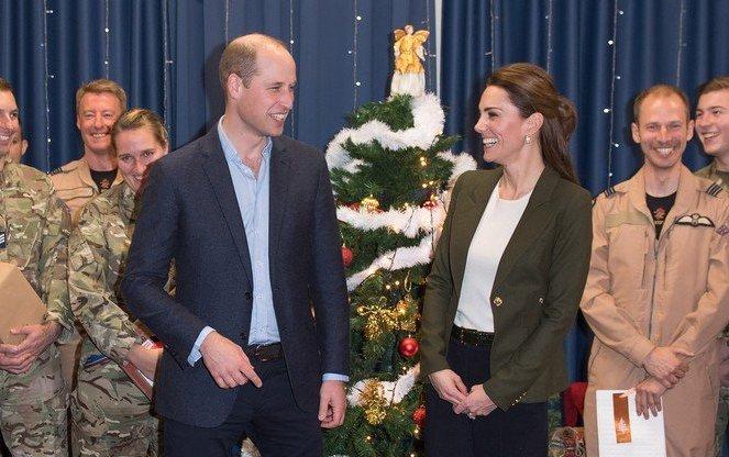 """Prințul William a ironizat-o pe Kate în public: """"Arăți ca un pom de Crăciun""""!"""