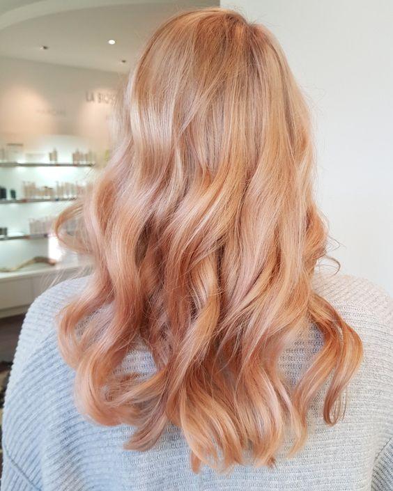 Culori De Păr La Modă în 2019 Blond Căpșună Păr Mediu Bucle