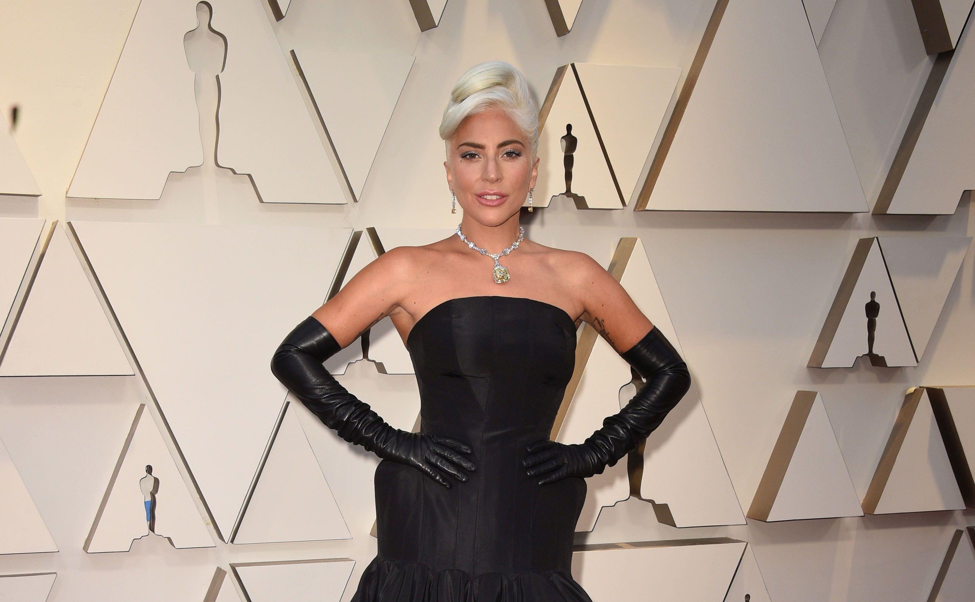 Lady Gaga i-a fermecat pe toţi la Premiile Oscar 2019! Ce rochie a purtat artista