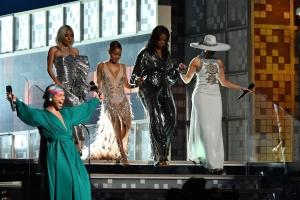 Premiile Grammy 2019 Cele mai bine îmbrăcate vedete: Michelle Obama