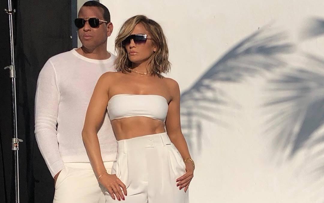 Jennifer Lopez și Alex Rodriguez au lansat o linie de ochelari de soare