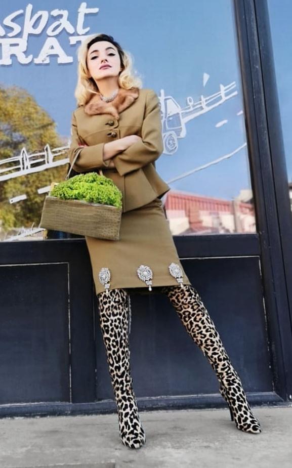 VIDEO EXCLUSIV: Ce obiecte are Ana Morodan în geantă! La asta nu te-ai fi așteptat