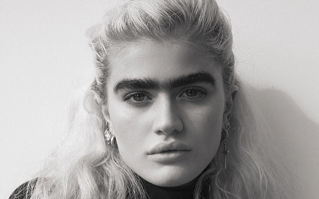 Sophia Hadjipanteli, modelul cu monosprânceană care schimbă standardele frumuseții