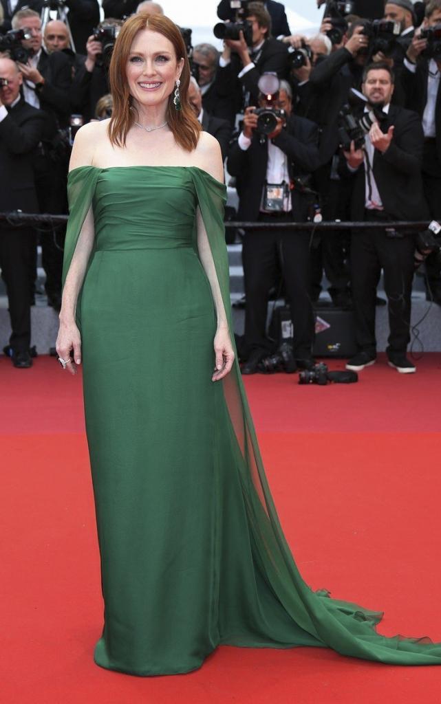 Ce au purtat celebritățile în prima seară a Festivalului de Film de la Cannes 2019. Julianne Moore în Christian Dior și cu bijuterii Chopard
