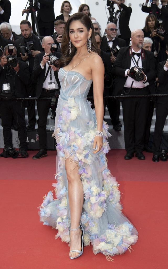 Celebritățile în a doua seară a Festivalului de Film de la Cannes 2019. Araya A. Hargate în Atelier Versace Primăvară 2019