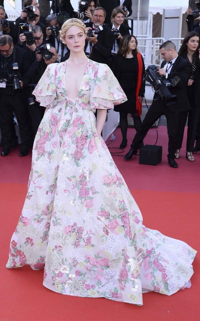 Celebritățile în a doua seară a Festivalului de Film de la Cannes 2019. Elle Fanning în Valentino Haute Couture Primăvară 2019
