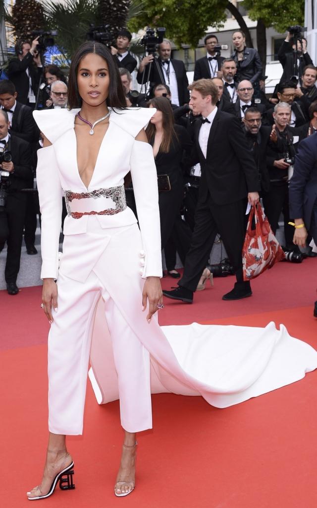 Cindy Bruna în Balmain, Festivalul de Film de la Cannes 2019