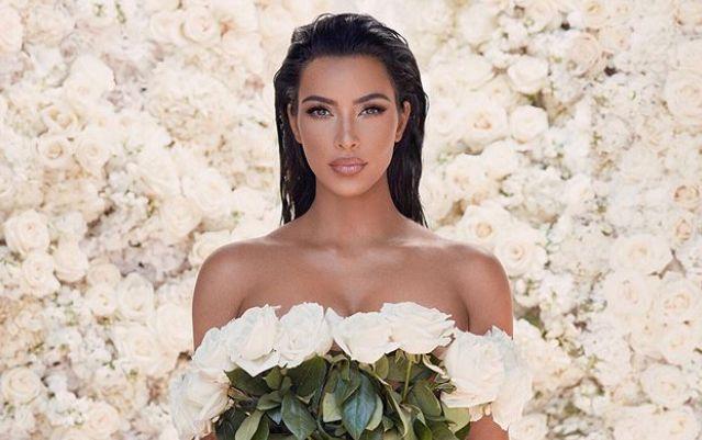 Kim Kardashian și-a schimbat look-ul! S-a tuns bob. Cum îi stă cu noua coafură