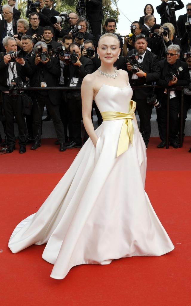 Dakota Fanning în Armani Prive, Festivalul de la Cannes 2019