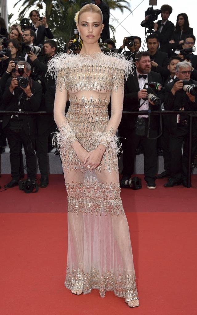 Hailey Clauson în Ralph & Russo, Festivalul de Film de la Cannes 2019