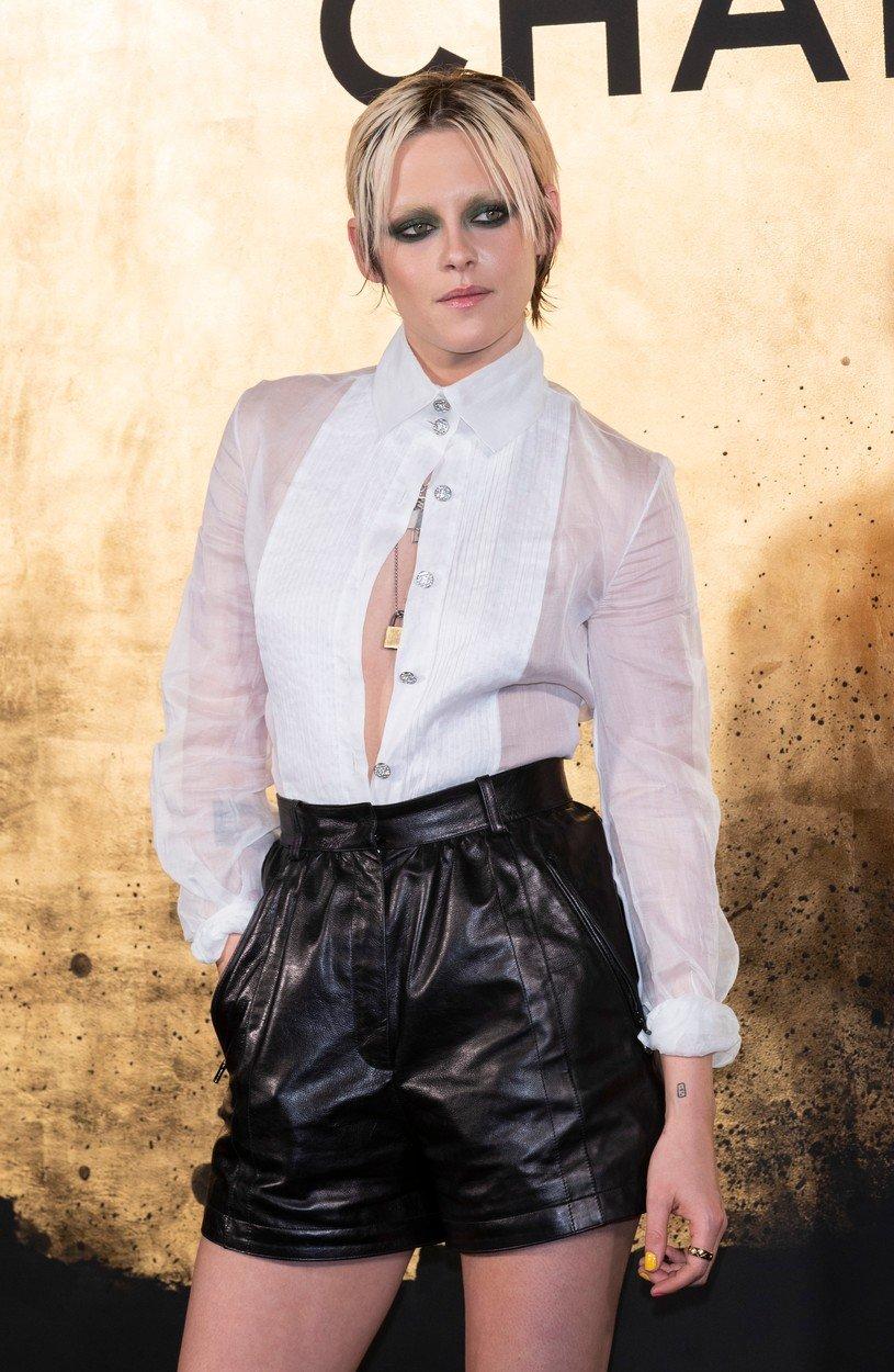 Kristen Stewart este regina machiajului în culori puternice 2