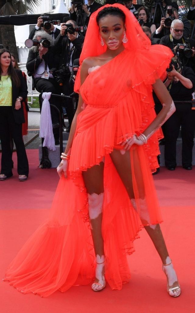 Winnie Harlow în Jean Paul Gaultier Toamnă - Iarnă 2017, Festivalul de la Cannes 2019