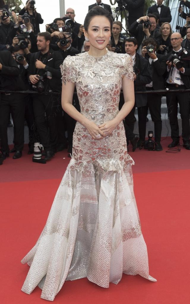 Zhang Ziyi în Givenchy, Festivalul de Film de la Cannes 2019Zhang Ziyi în Givenchy, Festivalul de Film de la Cannes 2019