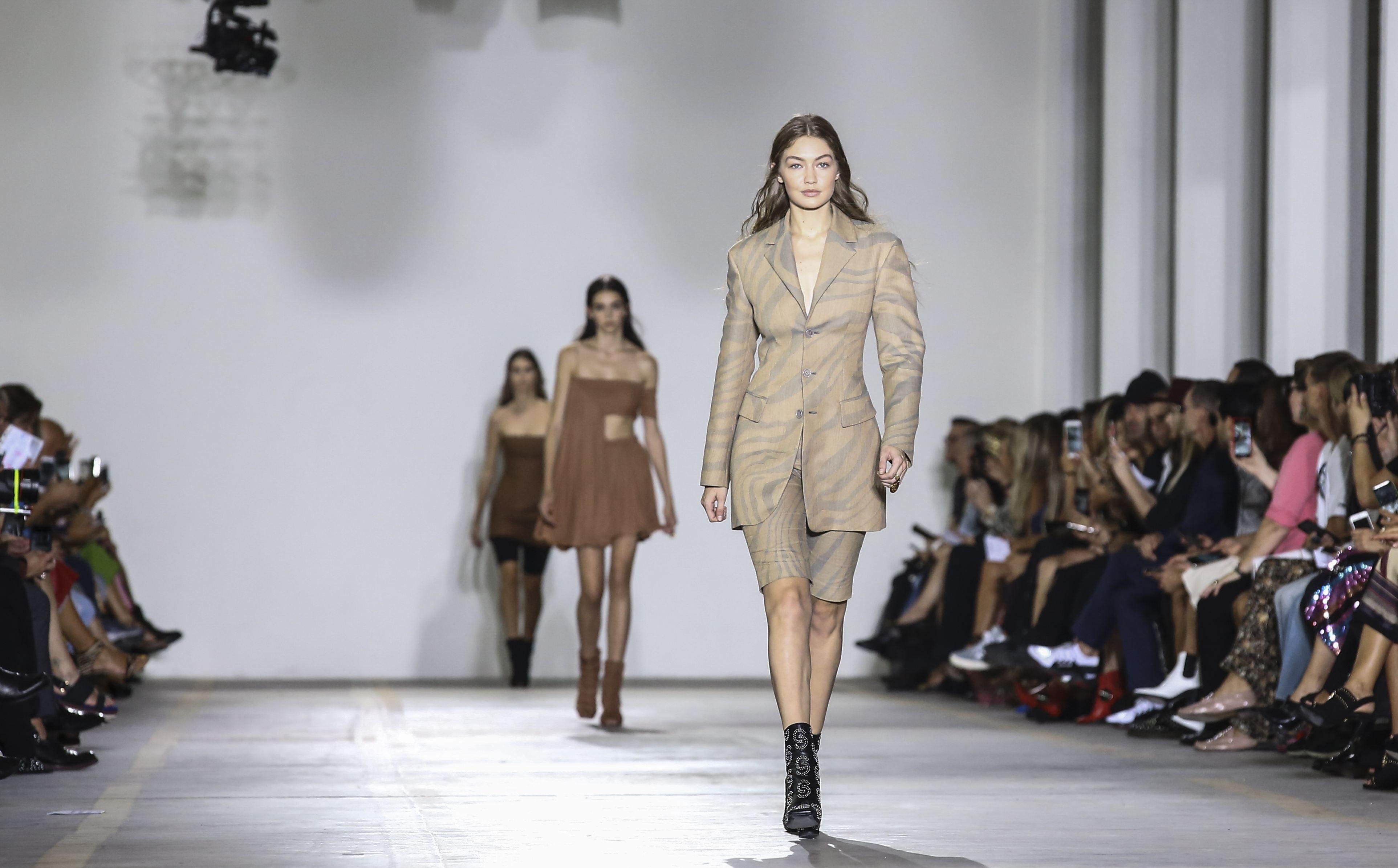 Casa de modă Roberto Cavalli, în prag de faliment! Cine vrea să cumpere brandul italian