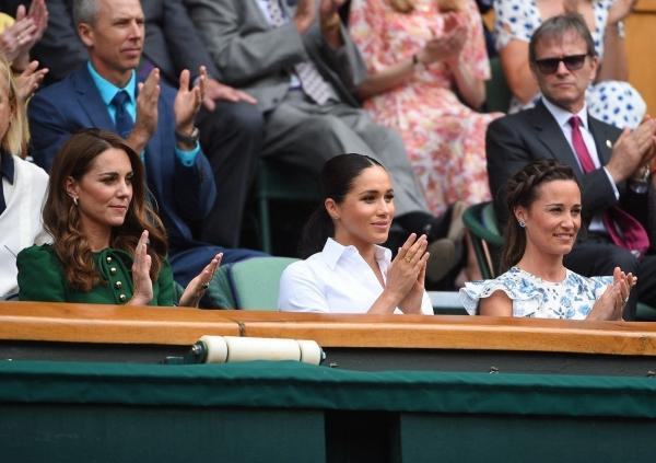 Serena Williams a sărit în apărarea lui Meghan Markle la Wimbledon! De ce Ducesa de Sussex a evitat-o pe Simona Halep