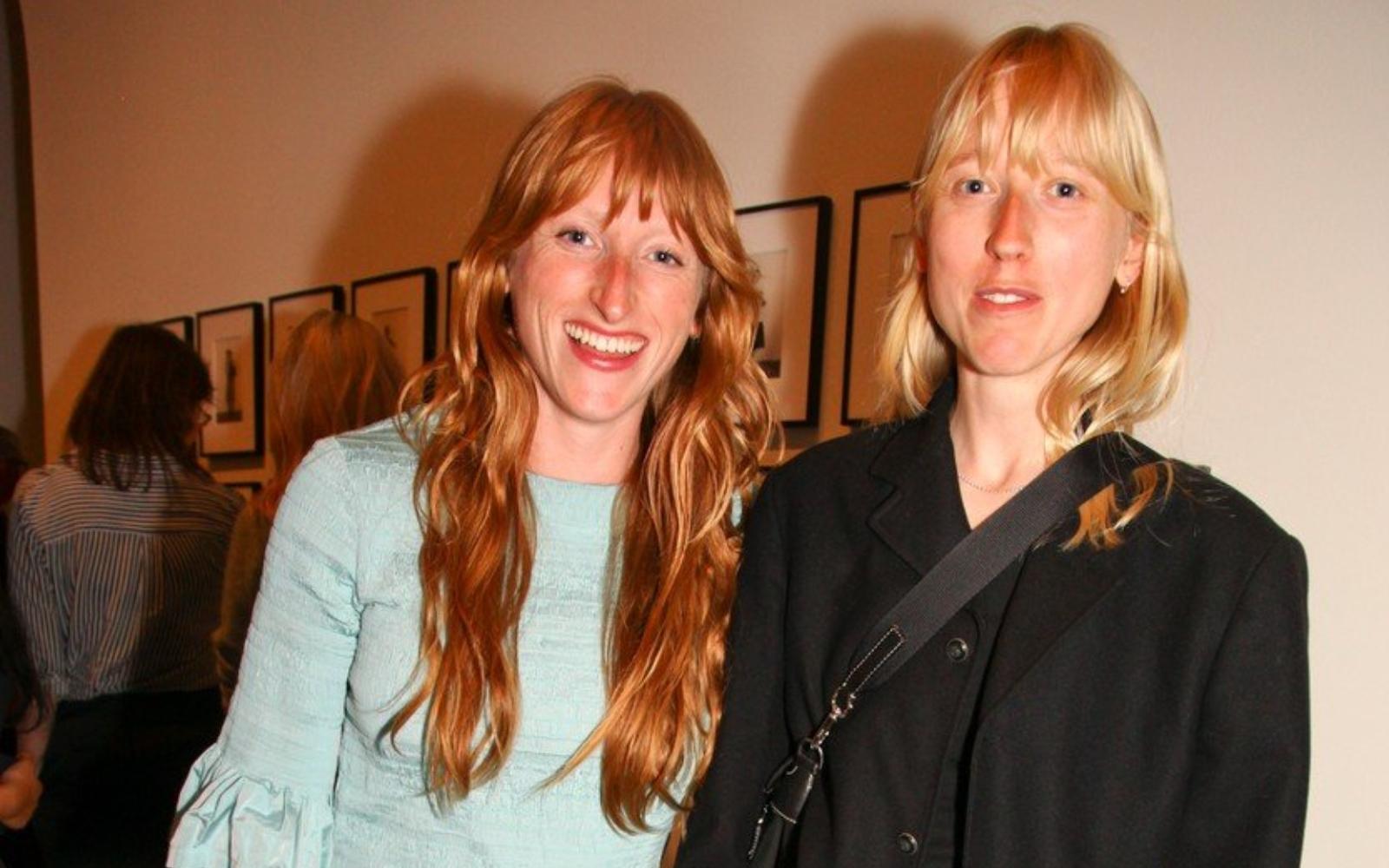 Tot ce trebuie să știi despre Alice și Molly Goddard, cel mai cool duo din lumea modei