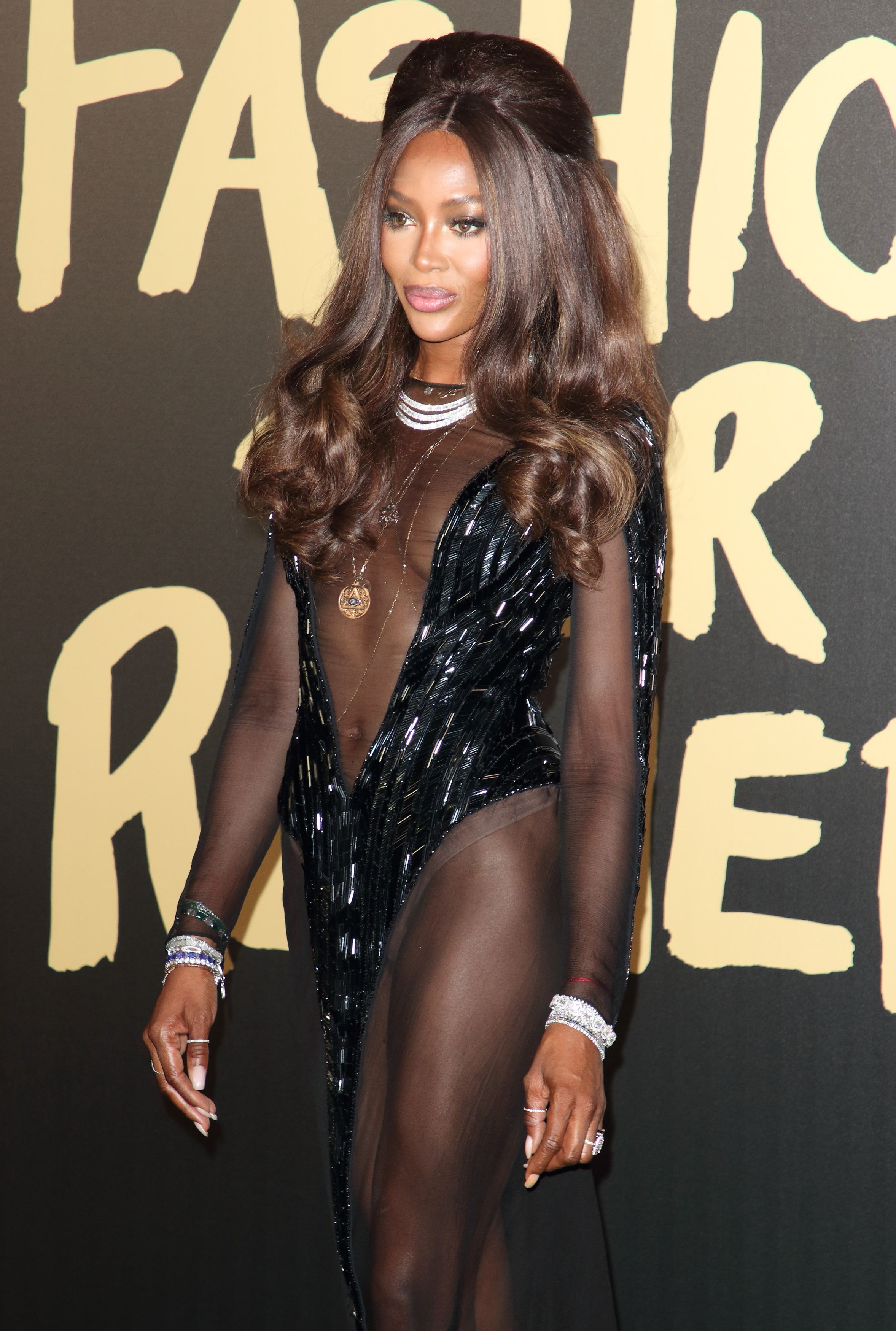 Naomi Campbell - sexy la gala caritabilă 'Fashion For Relief'