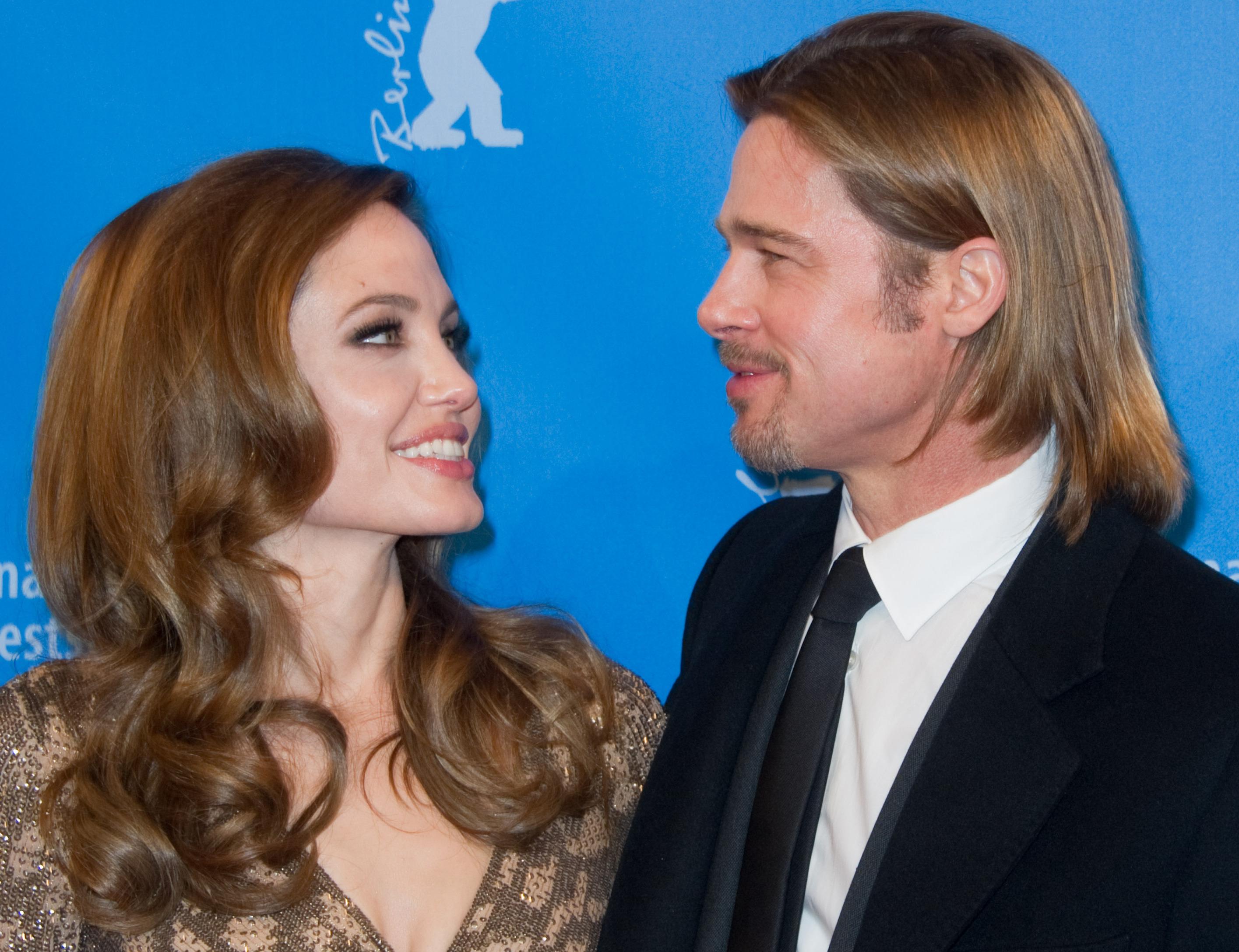 Angelina Jolie nu a vrut să se căsătorească cu Brad Pitt!