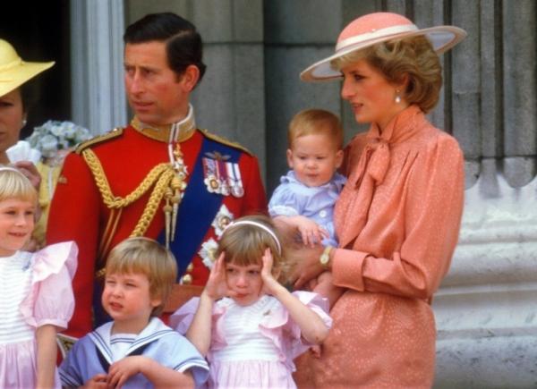 Cum a semnalat Prințul Charles sfârșitul mariajului cu Prințesa Diana, după nașterea lui Harry