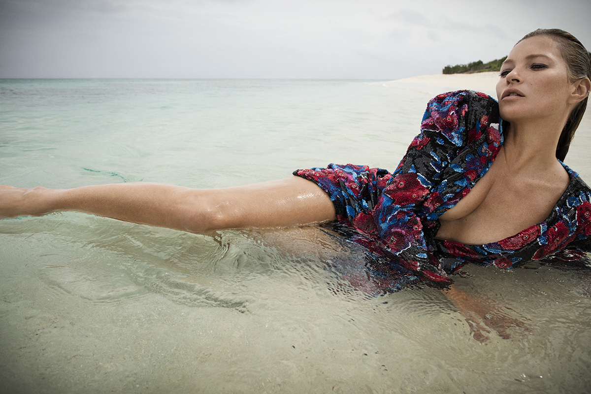 Kate Moss, pictorial incendiar pentru campania Dior! Cât de bine arată la 45 de ani