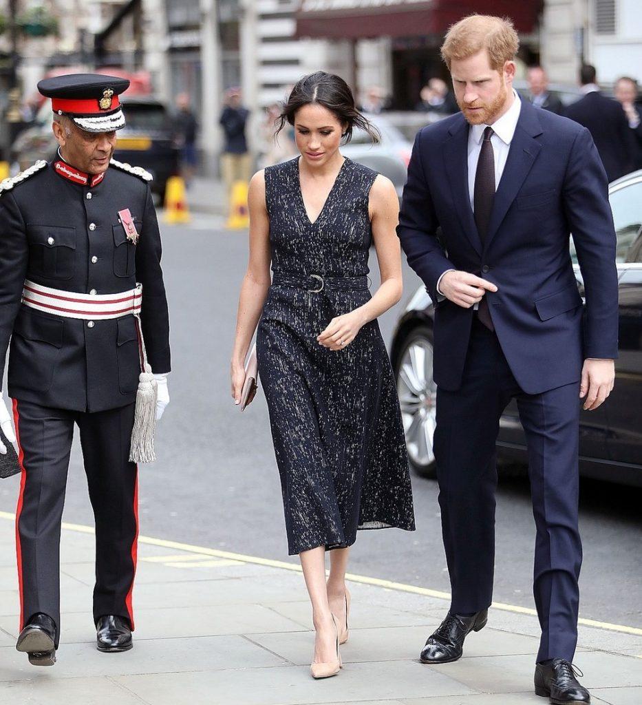 Rochii Meghan Markle 2019. Meghan Markle rochie neagra alaturi de printul Harry