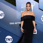 Jennifer Lopez a încheiat sezonul decernărilor de premii printr-o ținută în valoare de 9 milioane de dolari