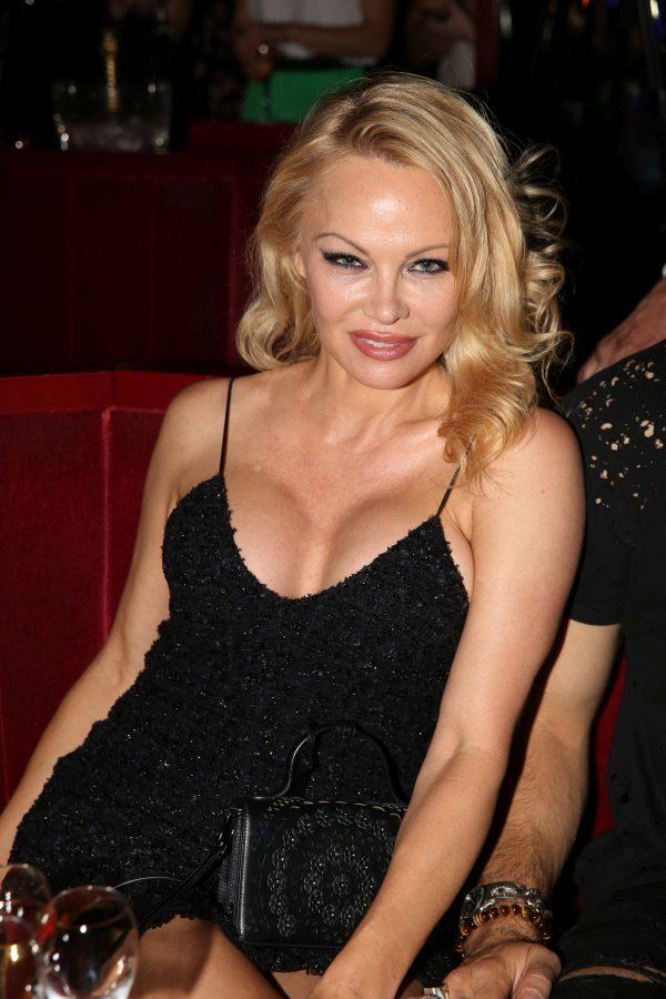 Prima imagine cu Pamela Anderson și cel de-al cincilea soţ, Jon Peters