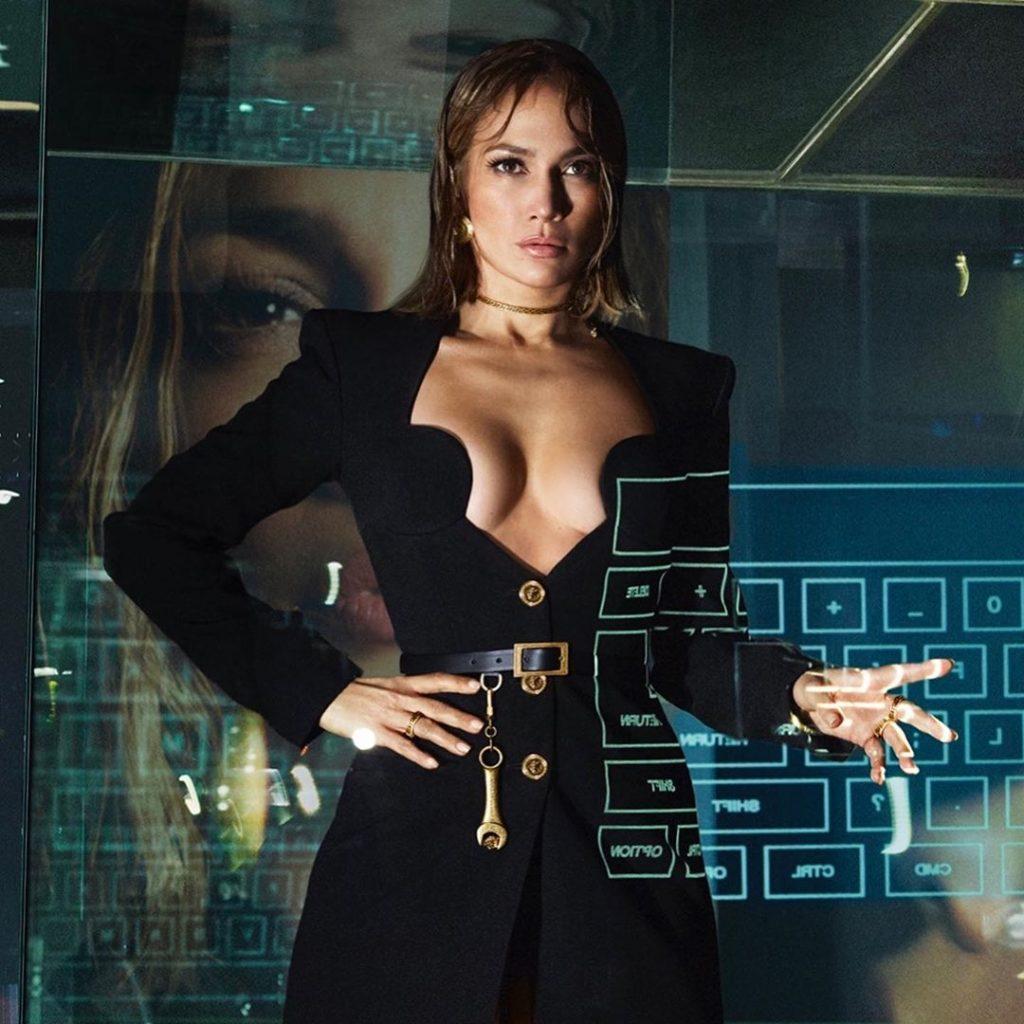 Jennifer Lopez și Kendall Jenner, vedetele noii campanii Versace