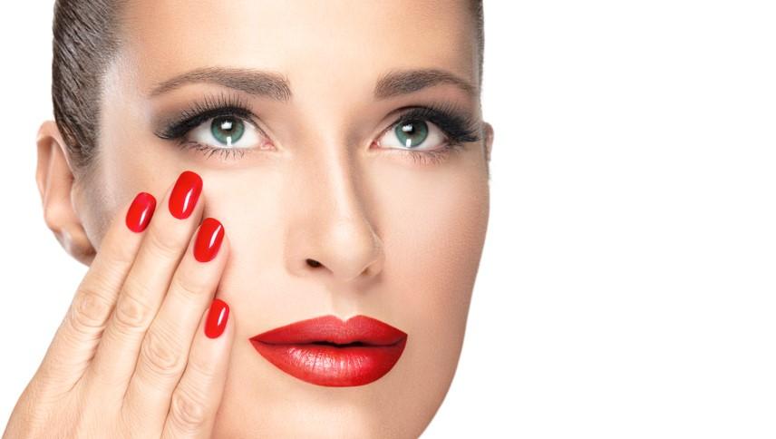Modele manichiură la modă în 2020- Manichiura roșie