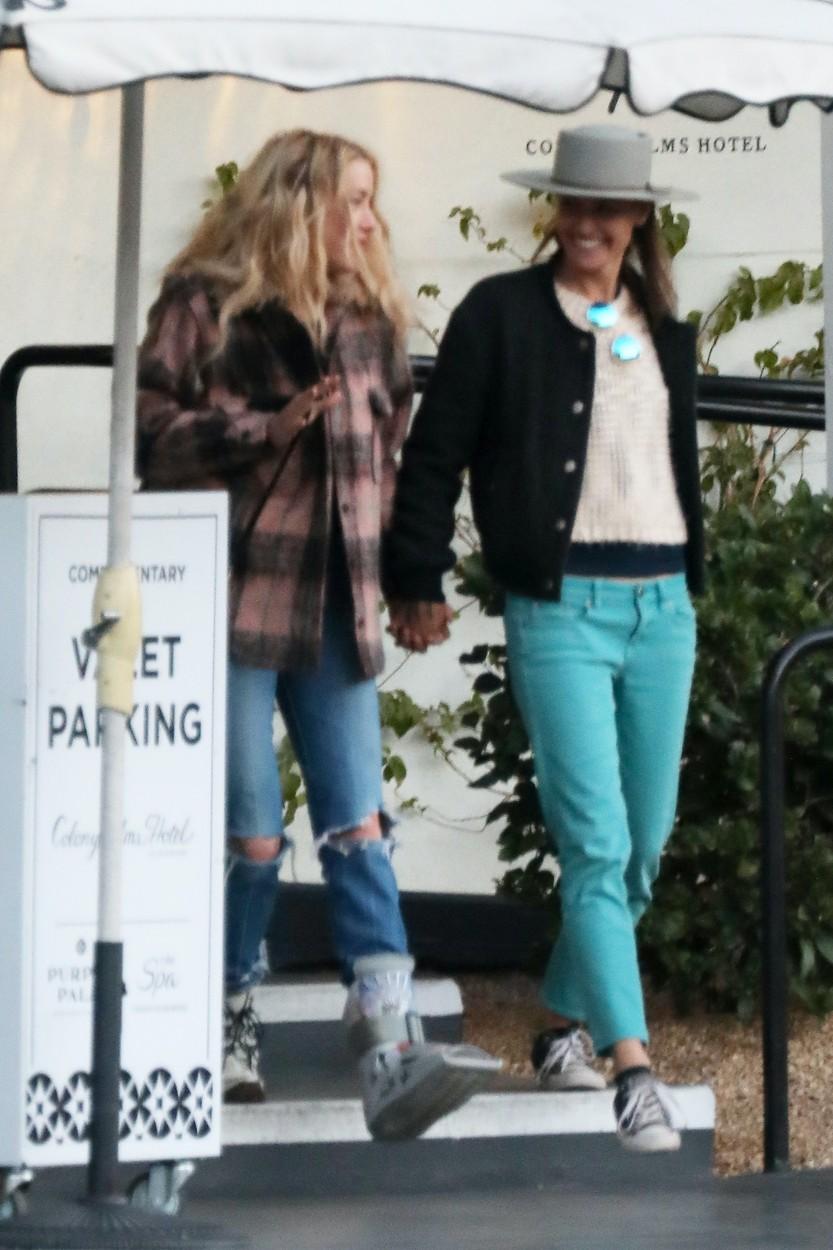 Fosta soție a lui Johnny Depp are o iubită! Cu cine a fost surprinsă Amber Heard