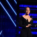 Alicia Keys, gazda premiilor Grammy 2020, a apărut nemachiată pe scenă
