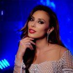 Iulia Vântur, ținută spectaculoasă la Smule Mirchi Music Awards