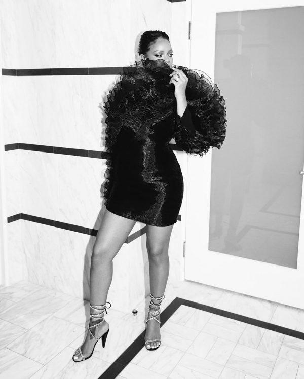 Rihanna își dorește trei sau patru copii, indiferent dacă va avea o relație sau nu