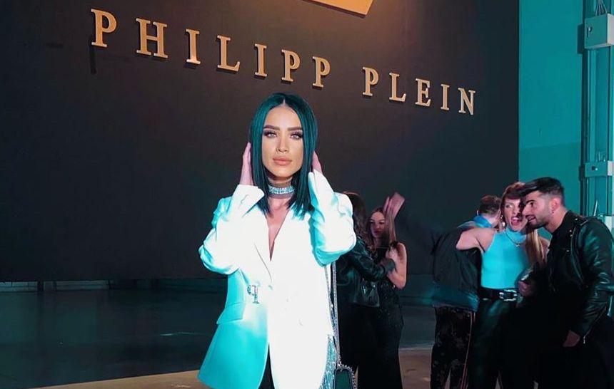 Adelina Pestrițu a făcut senzație la Milano Fashion Week! A purtat o pereche de cizme care costă cât o mașină FOTO