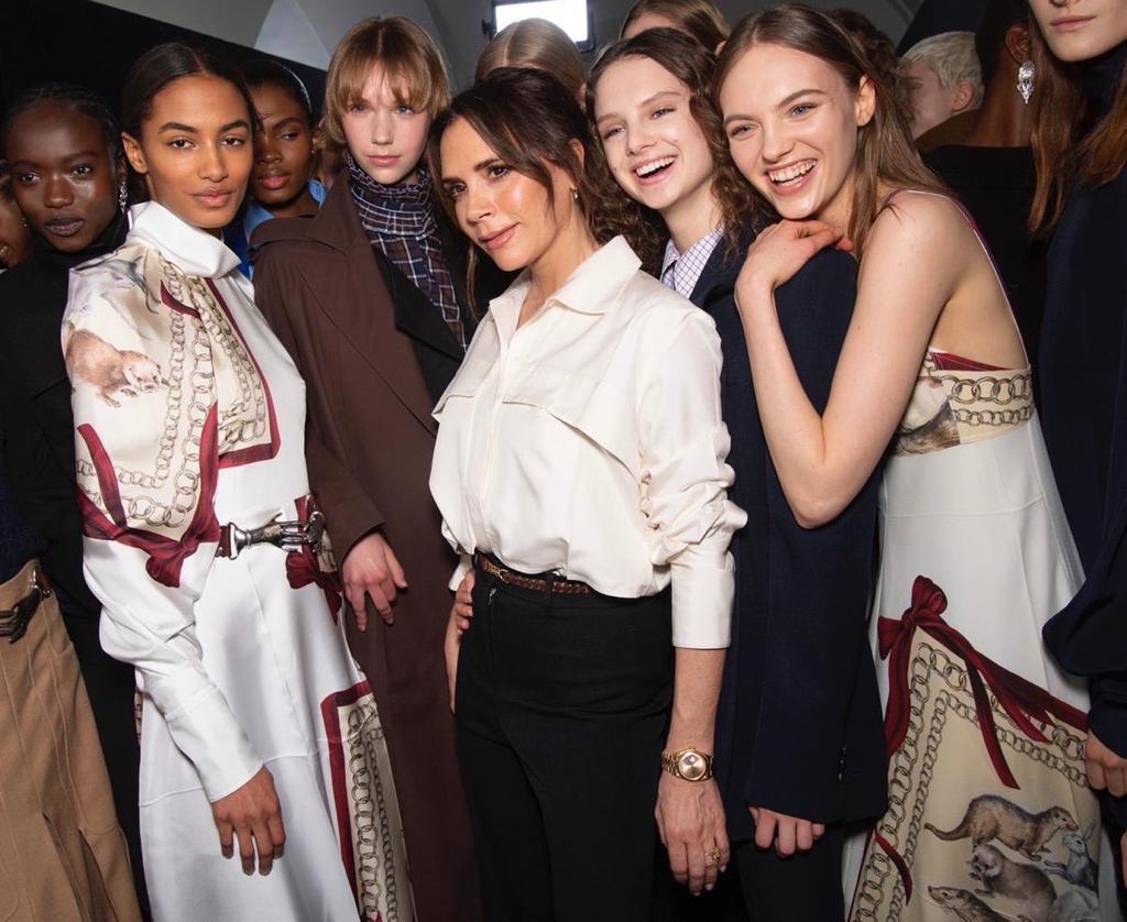 Culisele prezentării Victoria Beckham Foto:Facebook