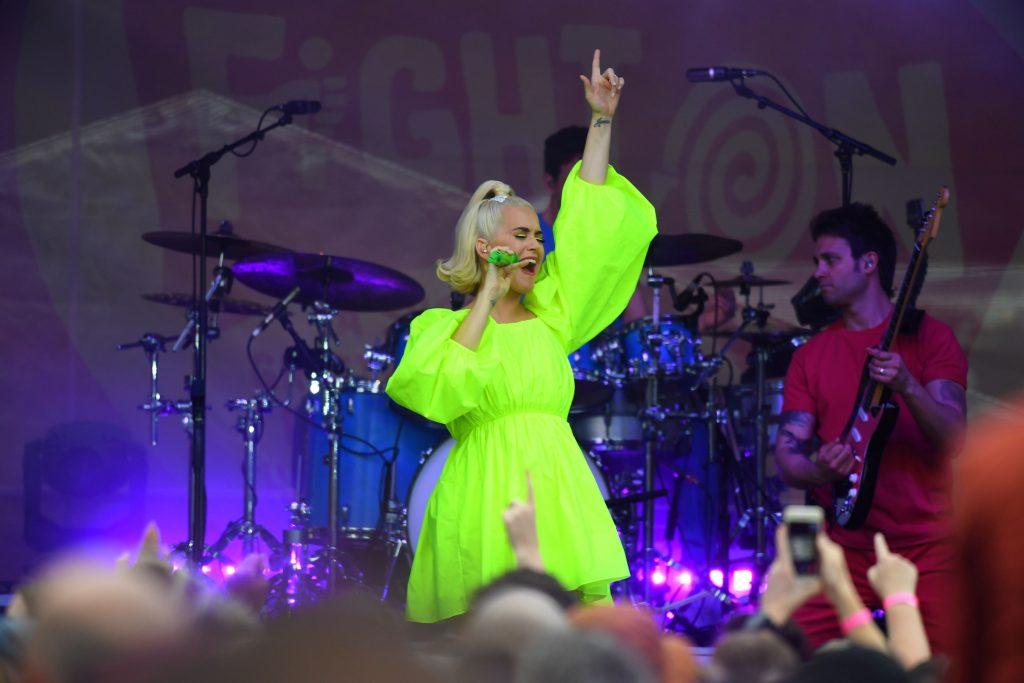 Katy Perry s-a îngrășat mult în sarcină! Cât de mult s-a schimbat artista FOTO