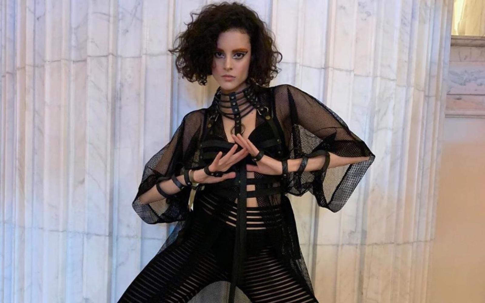 Top 3 outfit-uri preferate din dressing-ul Dianei Sar
