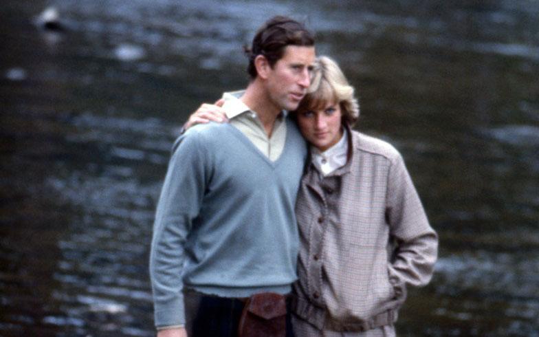 Prințesa Diana ar fi împlinit astăzi 59 de ani! Află povestea din spatele celei mai controversate poze cu aceasta