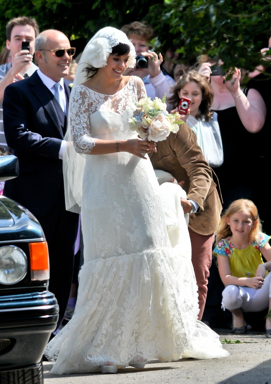 Lily Allen in rochie de mireasa