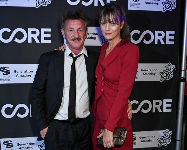 Fostul soț al Madonnei, Sean Penn, s-a căsătorit în secret! Iubita lui este cu 32 de ani mai tânără