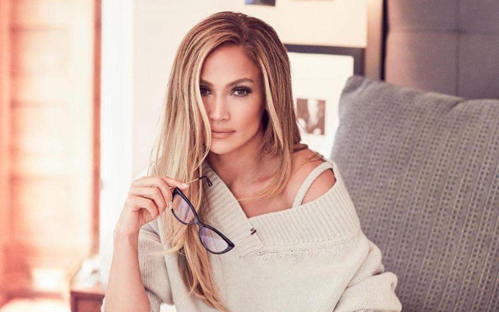 Jennifer Lopez își lansează propria linie de beauty (1)
