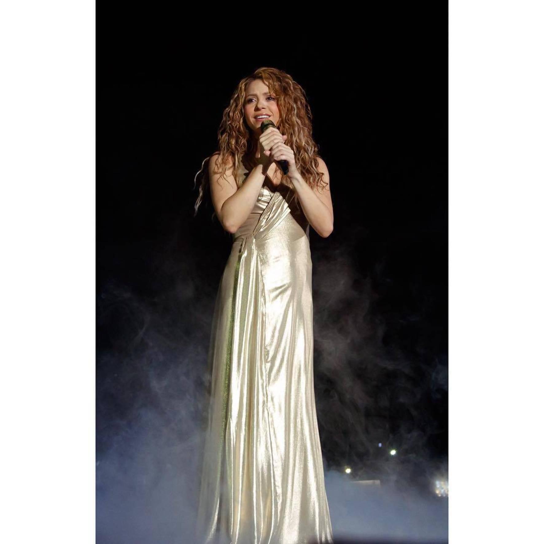 Shakira, schimbare inedită de look